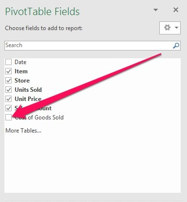 PivotTable Fields task pane with unselected Calculated Field