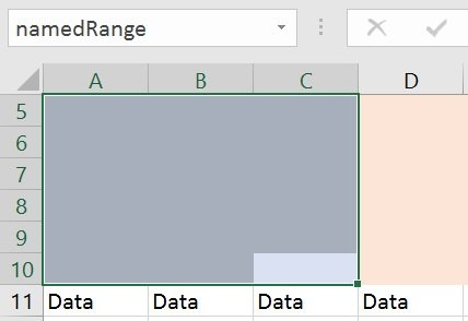 Macro example creates named range